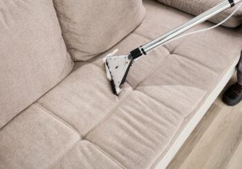 5 sinais de que seu sofá precisa de limpeza profissional